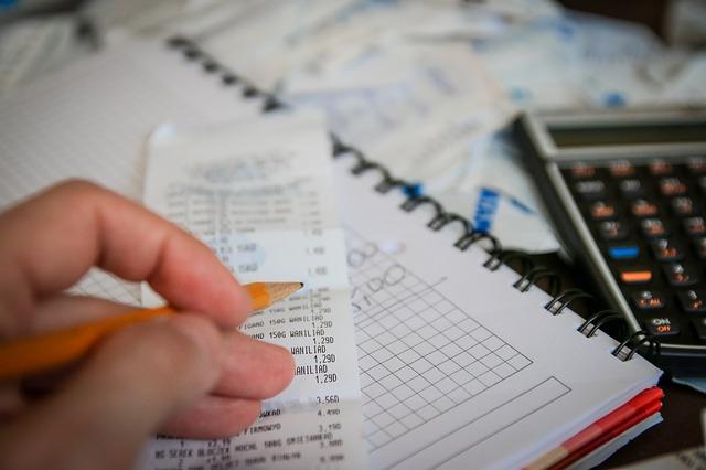 Rechnungen und Geld